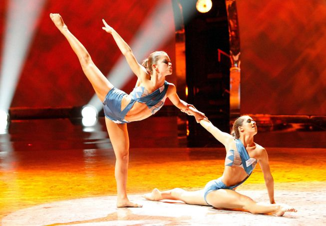 """Top 20 contestants Audrey Case and Tiffany Maher perform a Jazz routine to """"Sail"""" choreographed by Stacey Tookey on SO YOU THINK YOU CAN DANCE."""