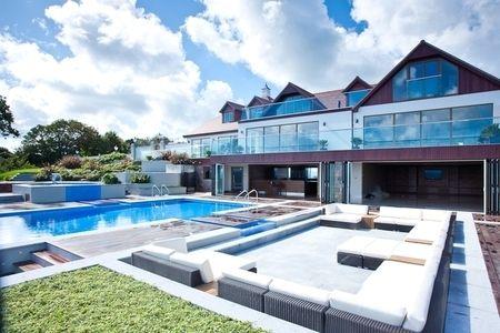 5 bedroom detached house for sale   in Le Mont De Rozel, St. Martin, Jersey