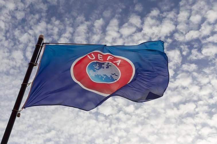 Avropa Futbol Assosiasiyalari Birliyinin Uefa əsas Klub Turniri Olan Cempionlar Liqasinin 2020 2021 Movsumunə Dusən Komandalarin Candy Bar Football S Futbol