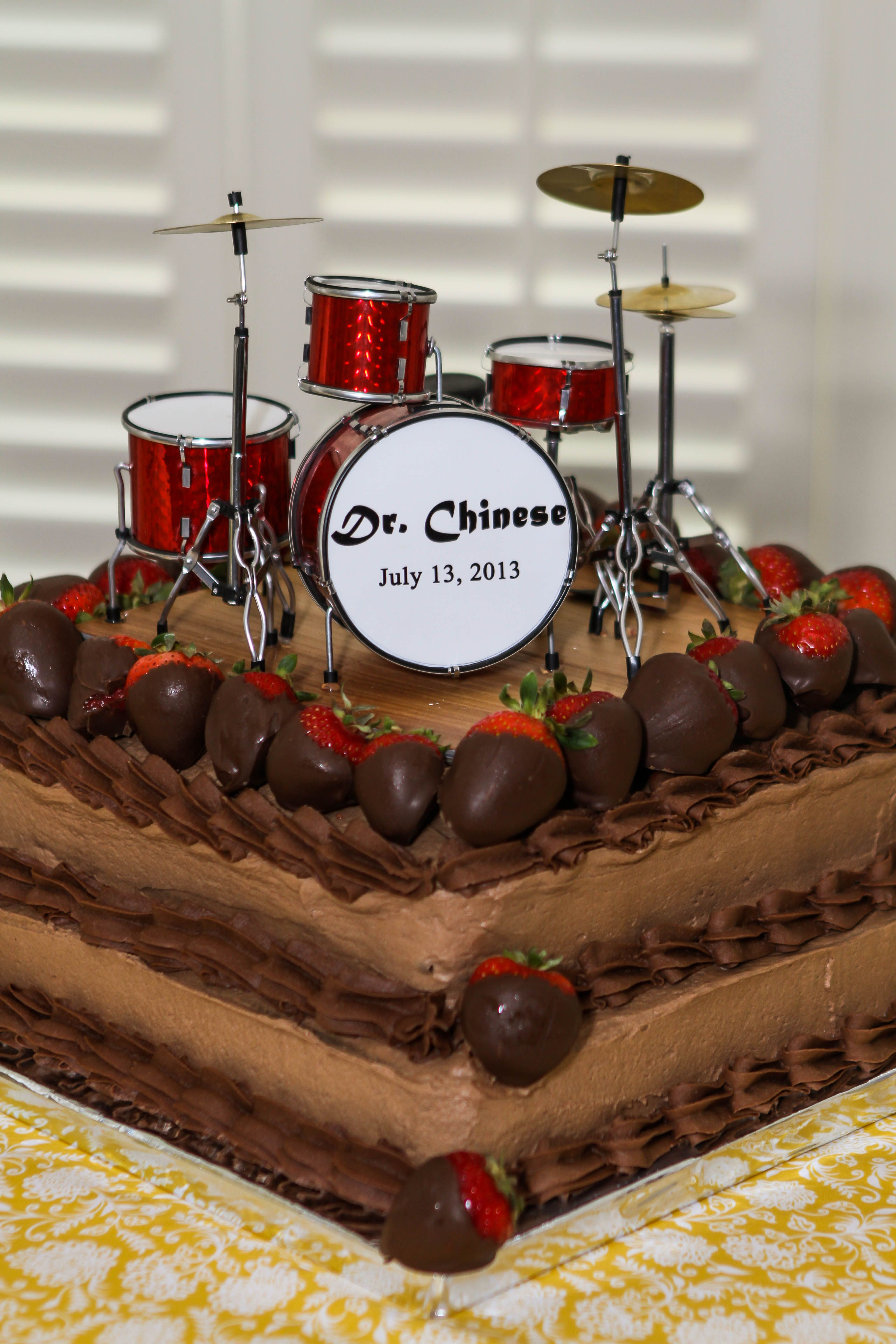 Grooms cake. Miniature drum set from http://www ...