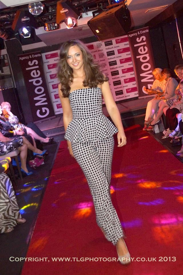 A fabulous monochrome jumpsuit looking superb on the runway of the Formby fashion event #gmodels #model #Formby #fashion #style #jumpsuit #monochrome