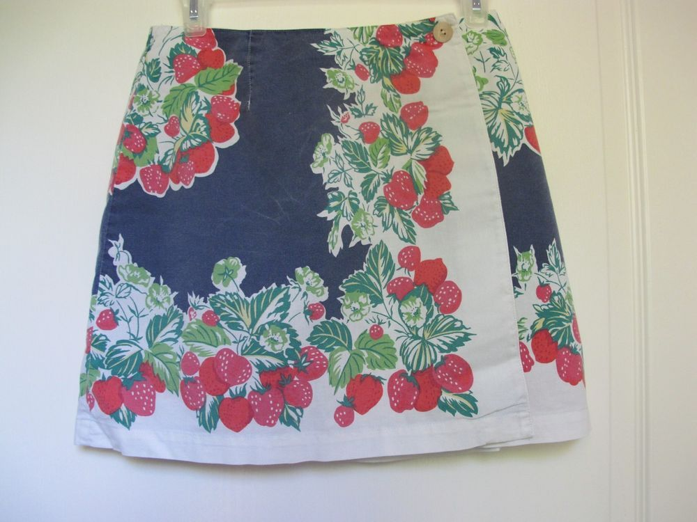 GAP Vintage Skirt W/Strawberry Print. Size 6 1990's Style Side Button Wrap. VGC #Gap #Casual