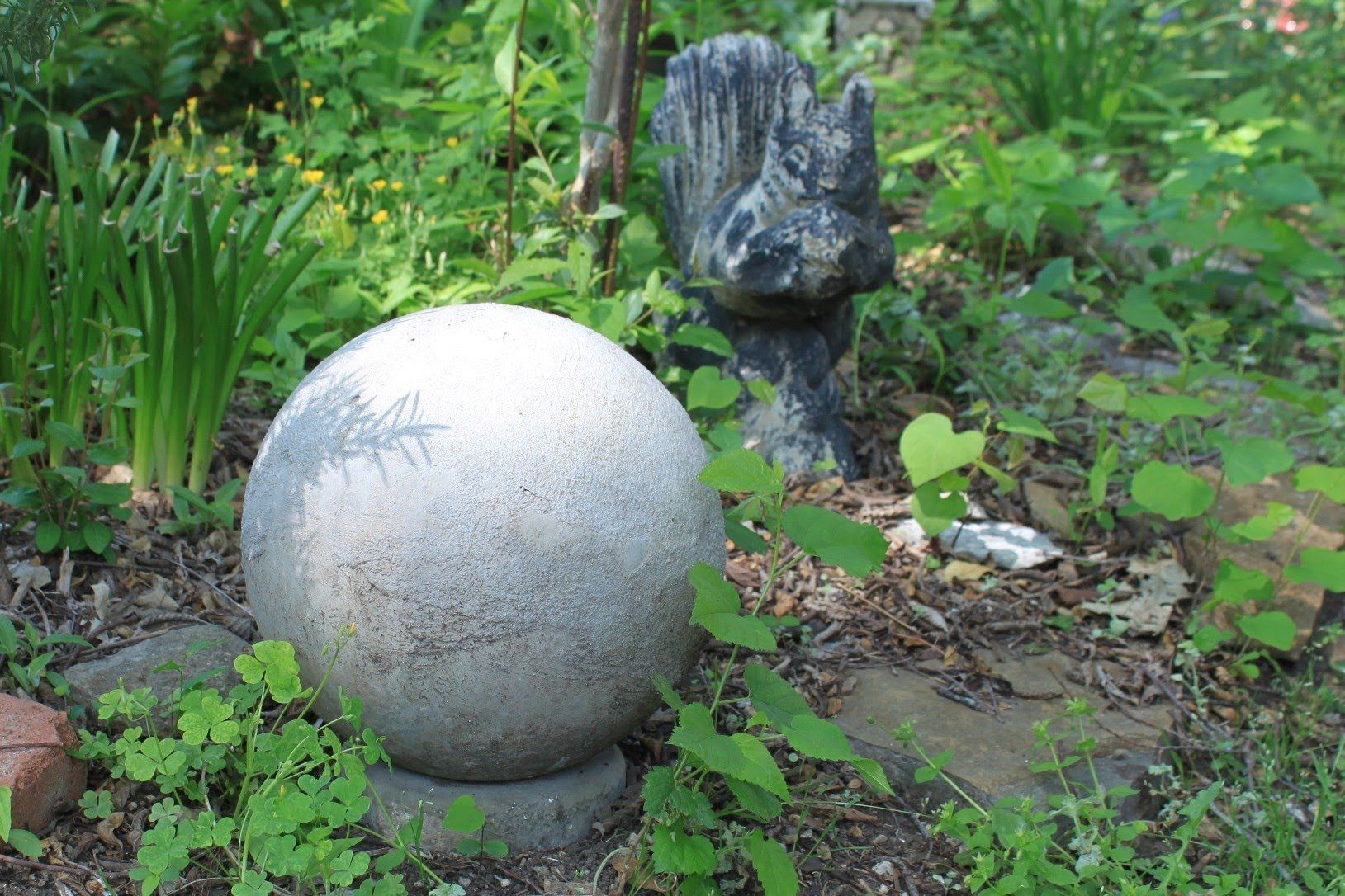 Diy garden ideas pinterest  Simple tutorial for creating concrete spheres  Terraced Garden