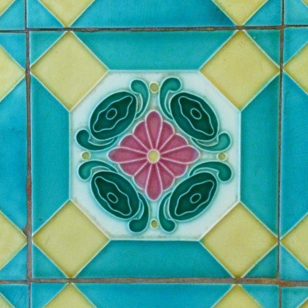 Tiles Glazedtiles Tile Tileaddiction Riri Tiles C Vietnam Hochiminh Saigon Prettytiles Homedecor Decorative Flowertiles Rose Victoriantiles Victorian Candyc タイル