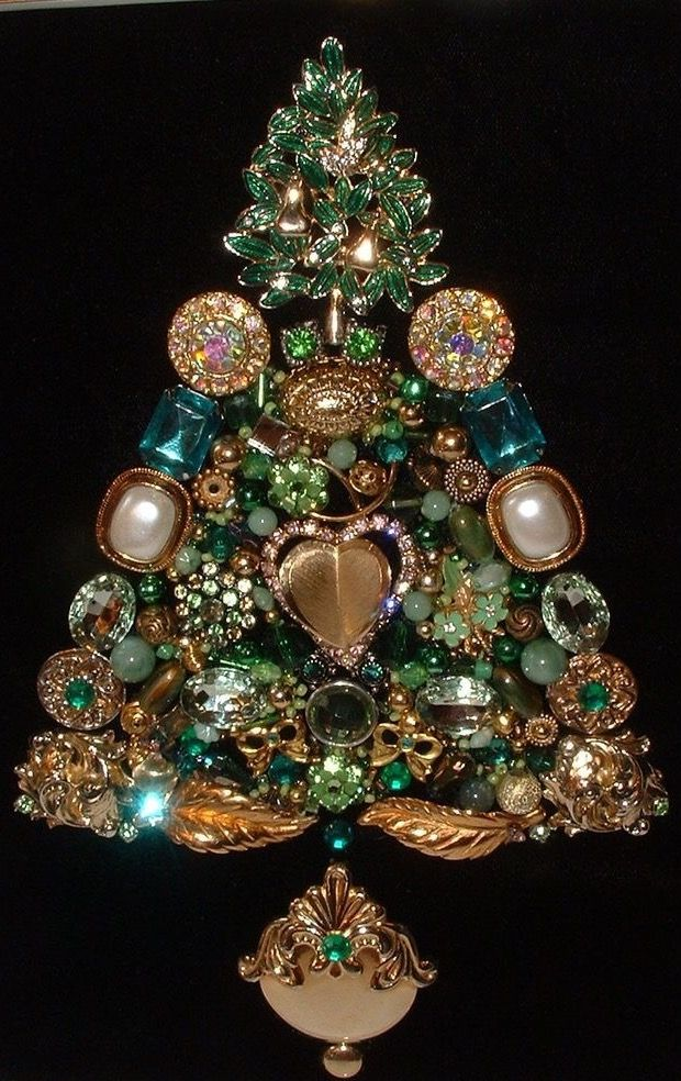 Pin By Rebecca D On Jewelry Christmas Trees Jeweled Christmas Trees Jeweled Christmas Vintage Jewelry Crafts
