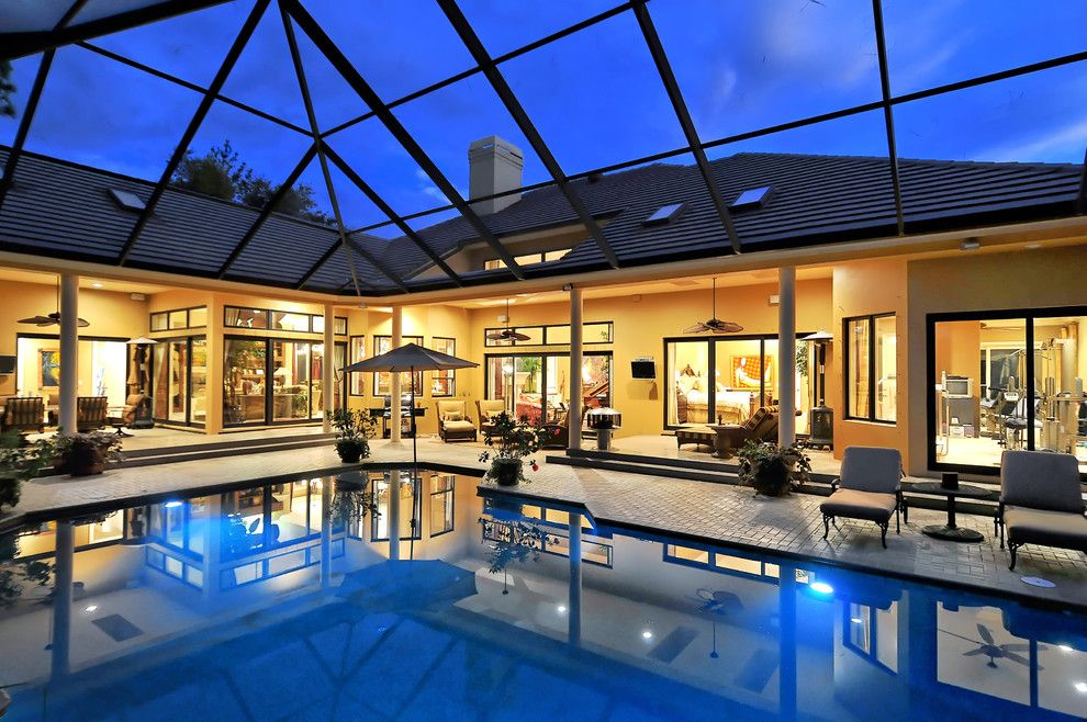 Grand Lanai   Tropical   Pool   Tampa   Bella Luna Services, Inc.
