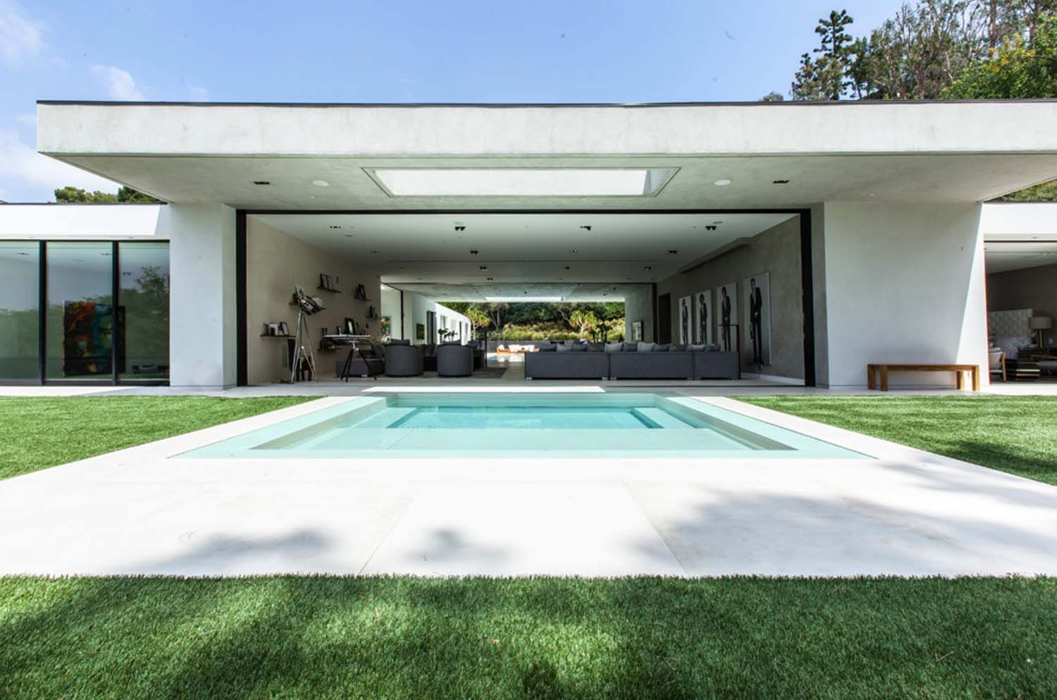 Fabulous modern home in Beverly Hills boasting indoor ... - photo#49
