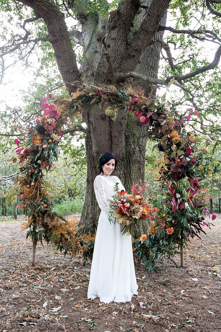 1970s Gypsy Bohemian Autumn Woodland Wedding Ideas #autumncolours