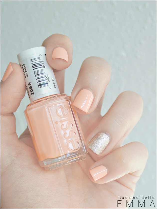 Essie - A Crewed Interest & Beyond Cozy Loving the combination of ...