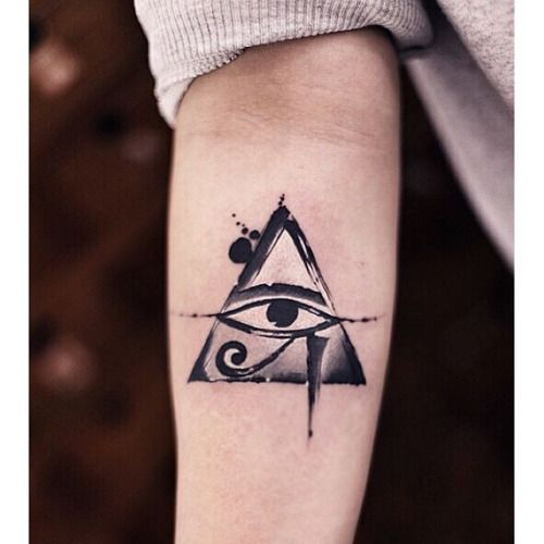 Modern twist Eye of Horus