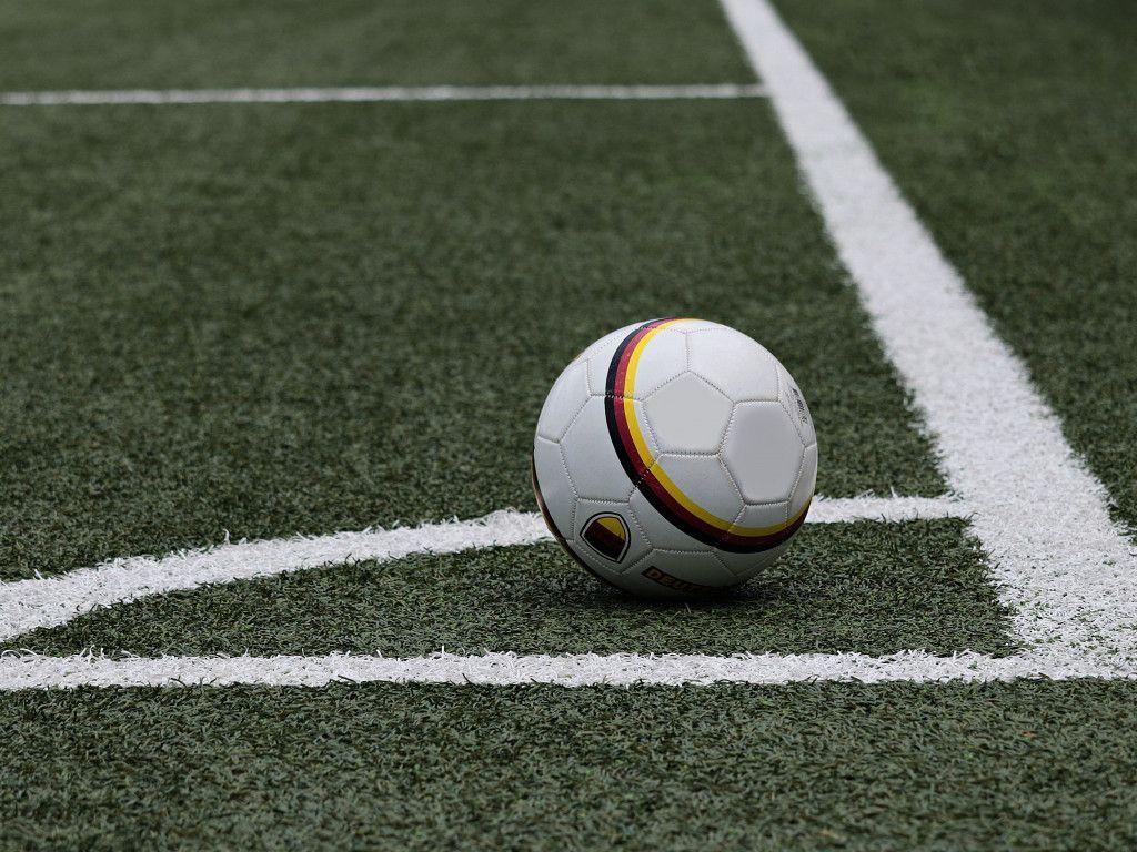 Soccer Ball Wallpaper Image Free Download Sport Fussballwetten