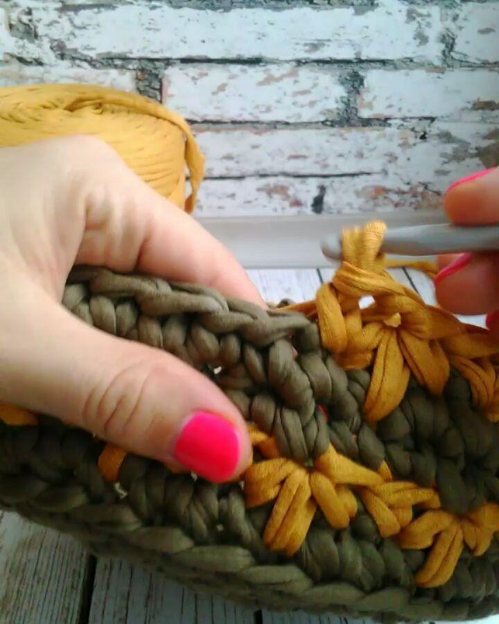 いいね!1,737件、コメント45件 ― Творю из трикотажной пряжиさん(@bochonok_meda)のInstagramアカウント: 「Мне узор напоминает осенние листья Ряд перед этим и ряд после- столбики без накида.」
