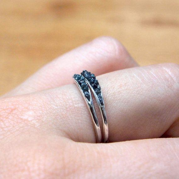 Anello di diamante blu grezzo / / Hidden Gems accatastamento