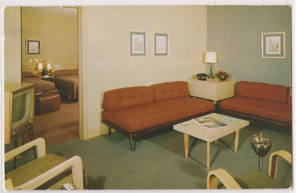 Rooms: Springfield, Virginia Postcard SKYLARK MOTEL Mid-Century