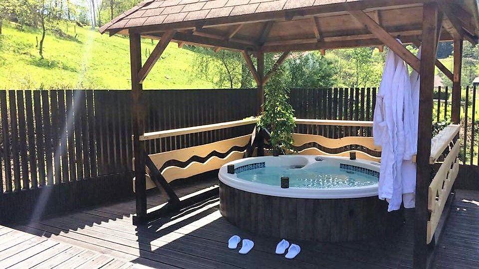 Epingle Sur Chalet Hotel Spa Avec Jacuzzi Prive Pour Un Weekend En Amoureux
