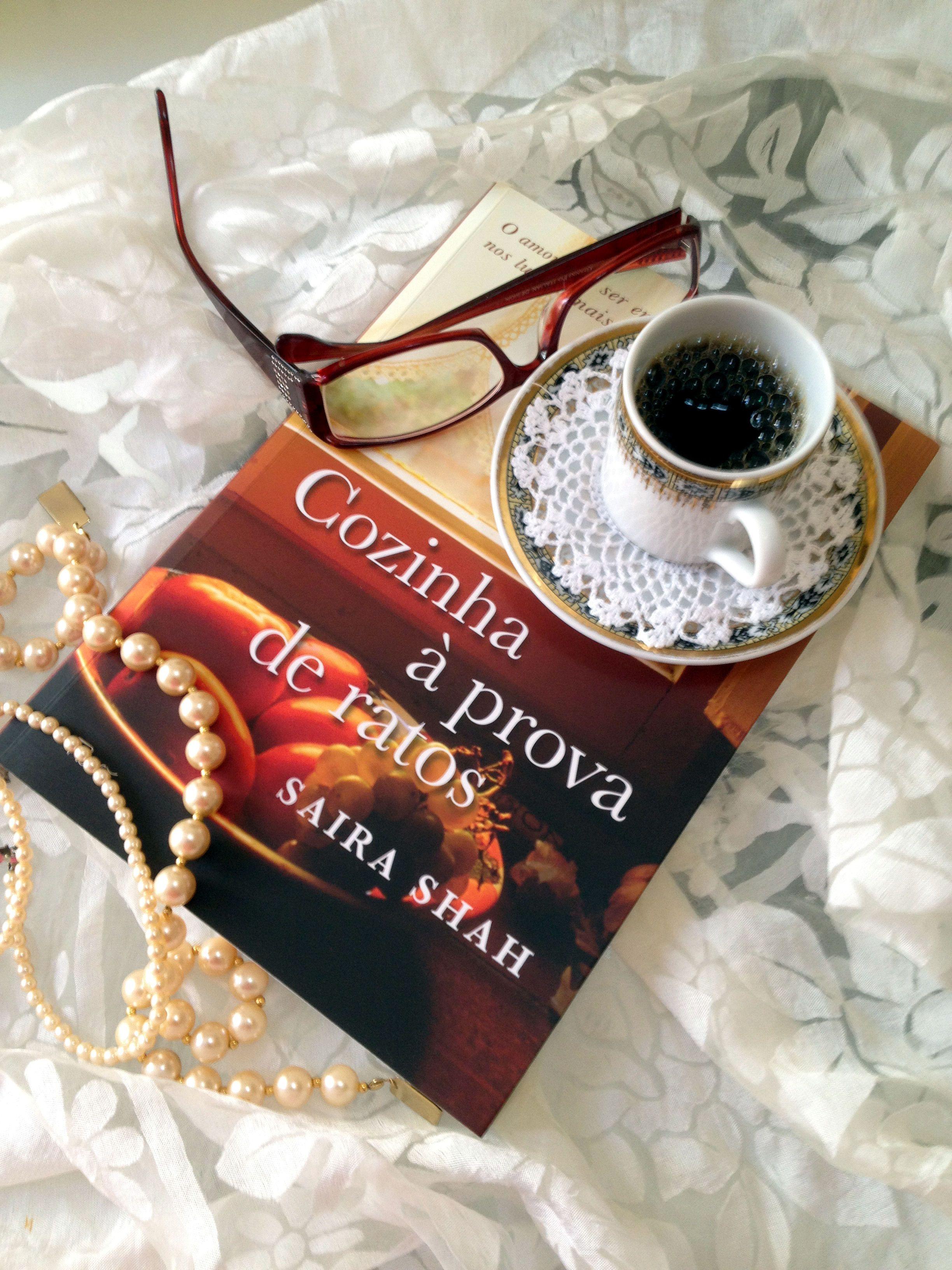 Um bom livro e um café