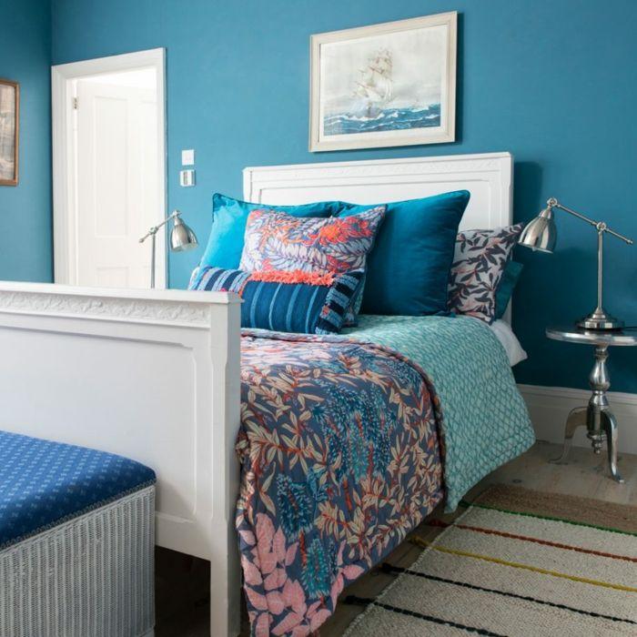 cama individual de madera pintada en blanco con cabecero, paredes ...