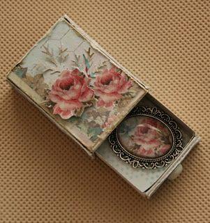 Idea para cajita de fosforos, reciclada estilo vintage-romantico.