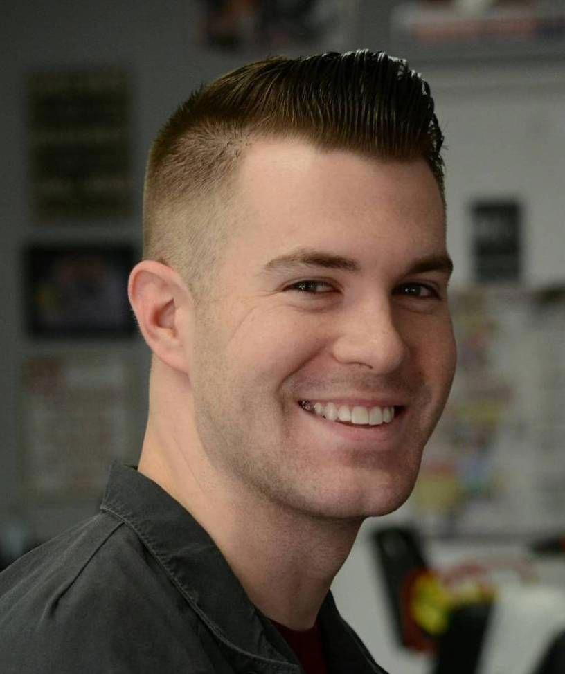 Short Quiff Haircut Barbershophaircuts Beautiful Men In 2019