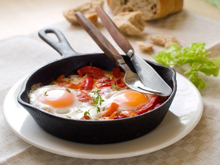 Запечени Јајца во Патлиџан и Пиперки « Makedonska Trpeza