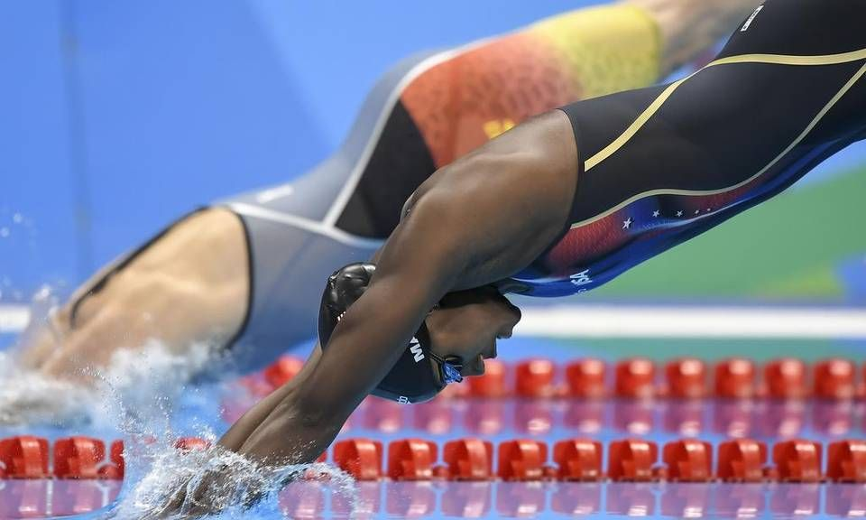 United States Swimmer Simone Manuel Lept Off The Starting Blocks To Qualify  Foru2026