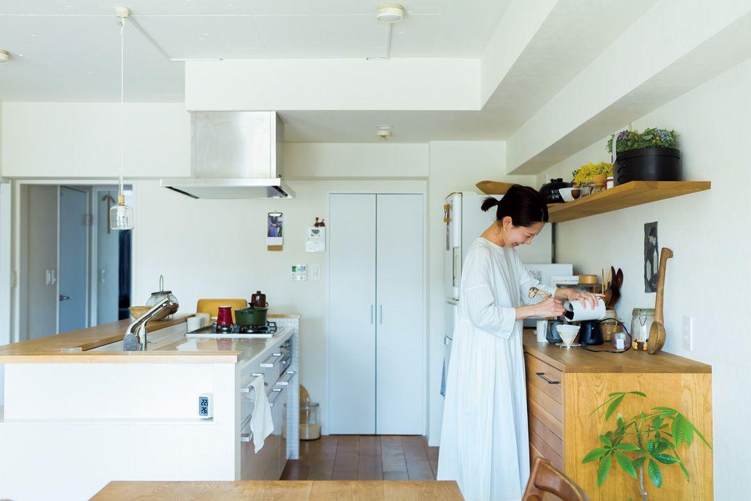 ものが増えない家のルール 好き 長く使う を基準に選ぶ キッチン女性 230399 Esseonline エッセ オンライン 2020 家 インテリア エッセ