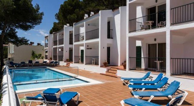 Apartamentos Desmais - #Apartments - $68 - #Hotels #Spain #CalaGaldana http://www.justigo.uk/hotels/spain/cala-galdana/apartamentos-desmais_12792.html