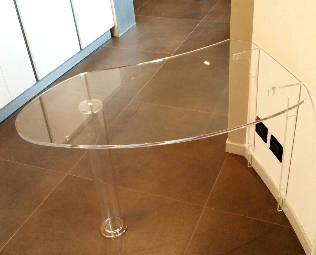 All plexiglas everything! Tavolo-penisola per cucina di Lab145 ...