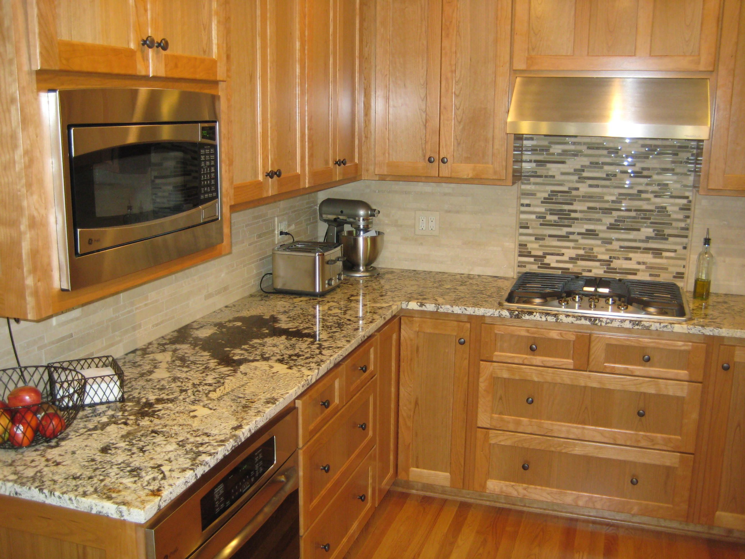 Kitchen Counter And Backsplash Ideas The Granite Color Of The Countertop Is Santa Cecilia  Kitchen .