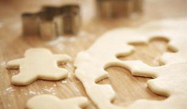 Stoned Gingerbread Men  http://www.thecannabischef.com/content/gingerbread-stoner-cookies/