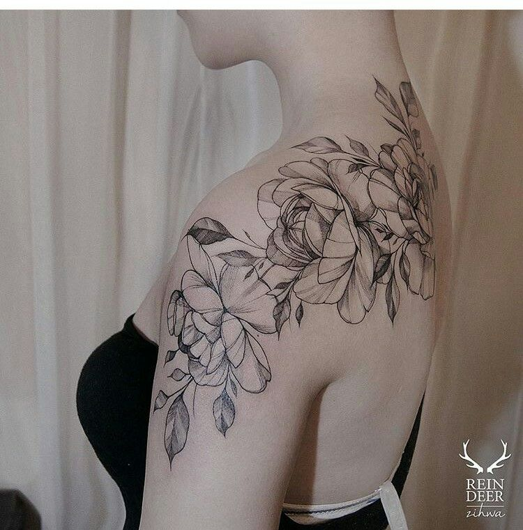 80be58686 Floral shoulder piece | ink. | Beautiful flower tattoos, Tattoos ...