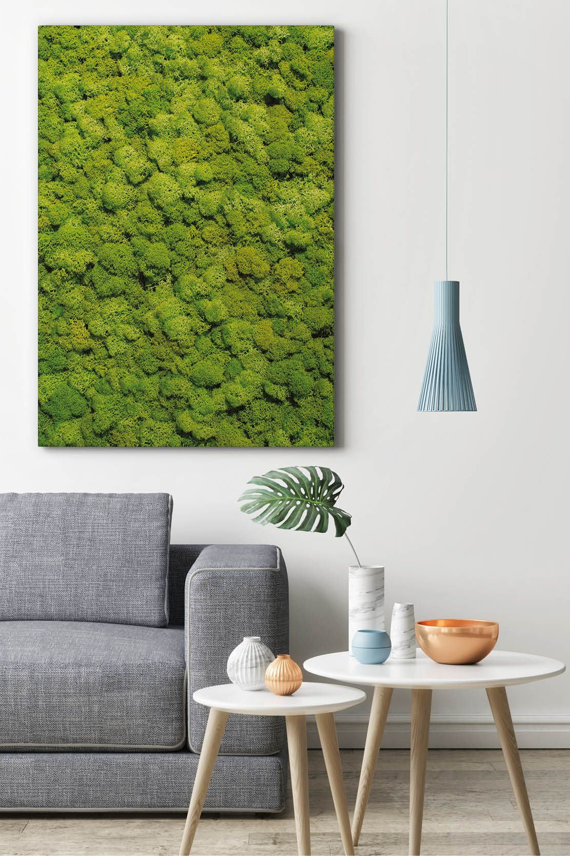 Vertikale Gärten als Moosbild an der Wand im Wohnzimmer über der