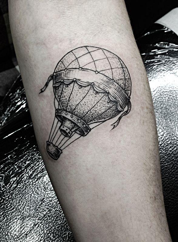 montgolfi re tattoo tatouage id es de tatouages et. Black Bedroom Furniture Sets. Home Design Ideas