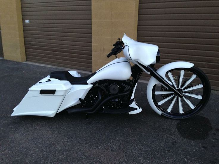 Simple And Clean With Images Harley Davidson Bikes Harley