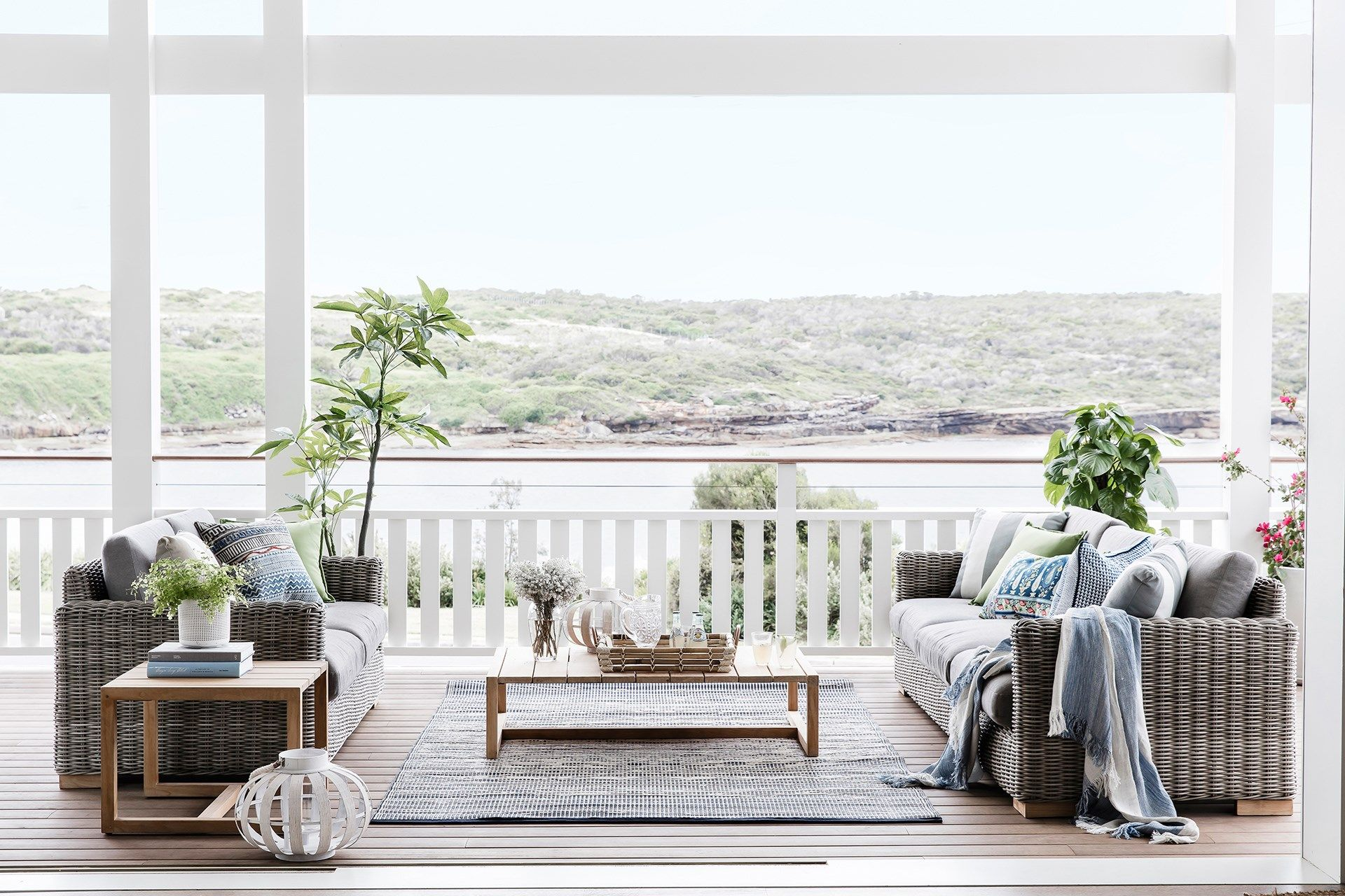 Australian Homes With Coastal-Inspired Style | Indoor outdoor ...