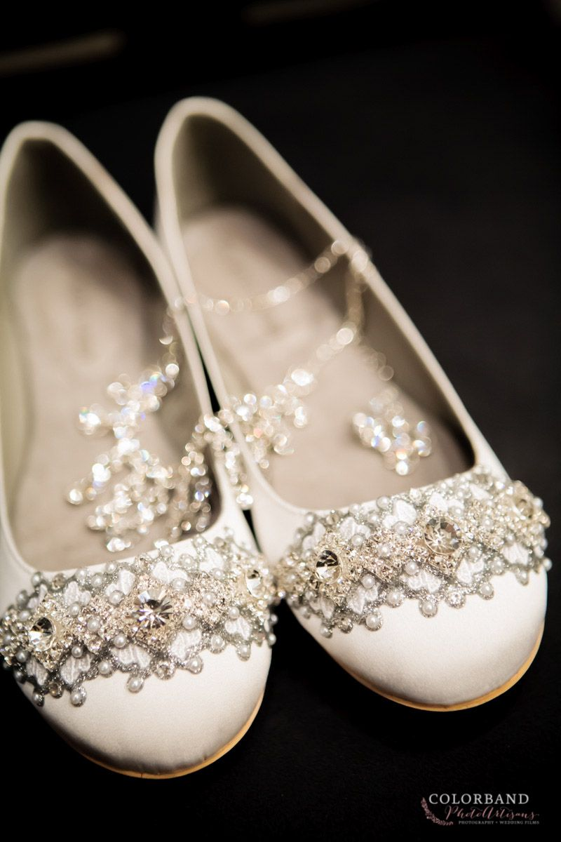 Bride's  shoes and jewelry | Colorband PhotoArtisans  http://www.colorbandphotoartisans.com | Oklahoma wedding Photographers