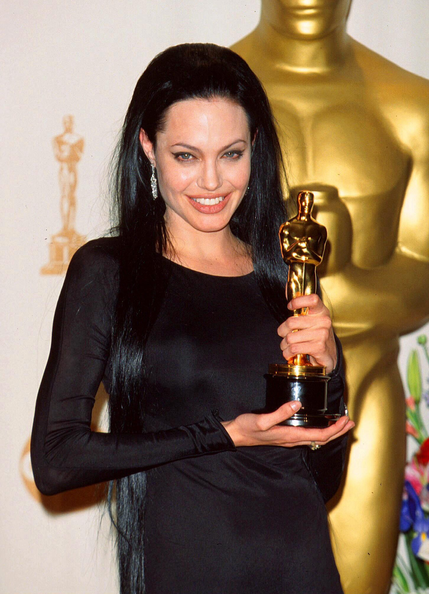 For what film did the Oscar Angelina Jolie get