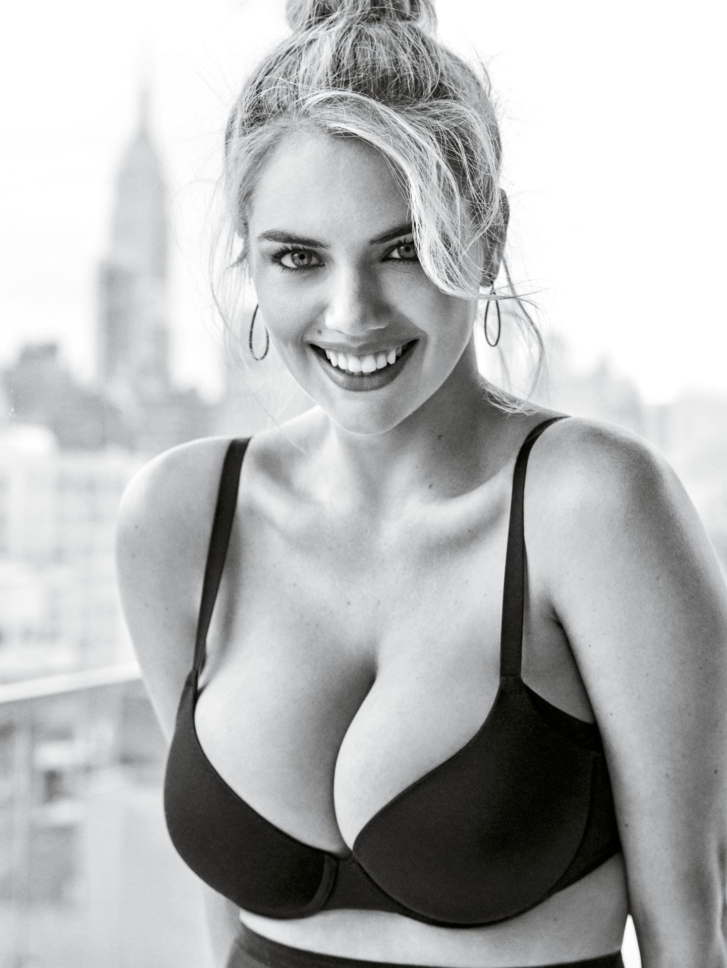 Boobs Cleavage Kate Upton naked photo 2017
