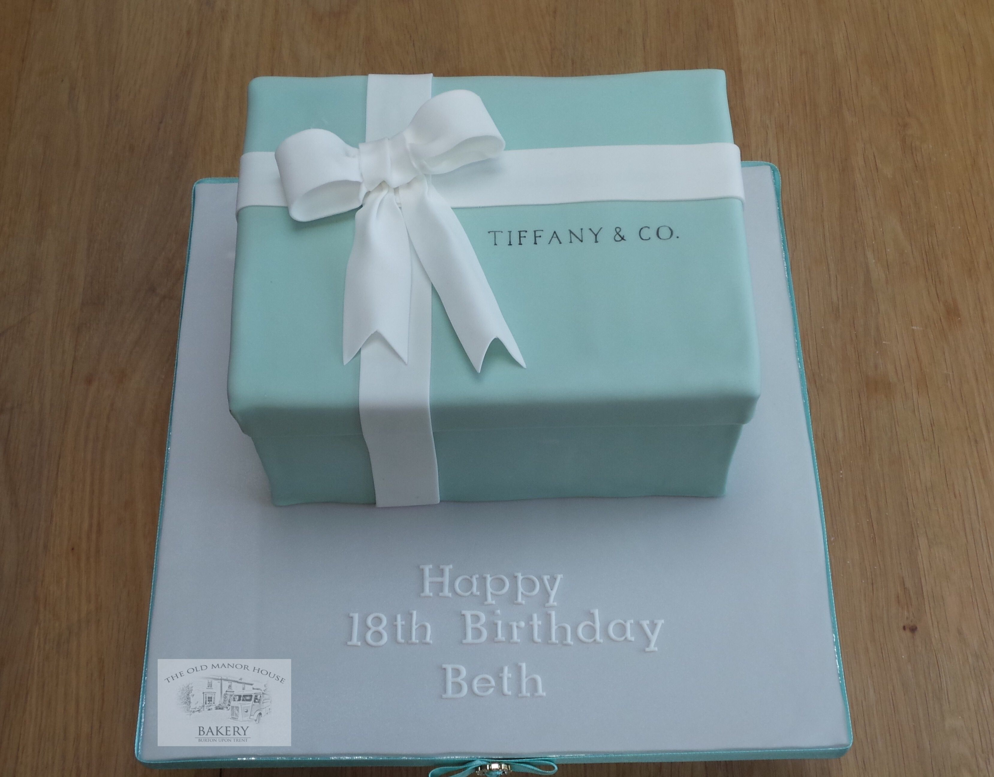 Tiffany And Co Box Cake With Fondant Bow Ladies Birthday Cake