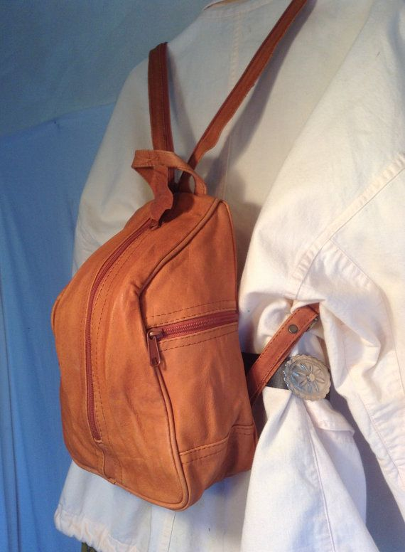 Free ship Brown vintage leather backpack 1970s bag purse Free shipping 70's