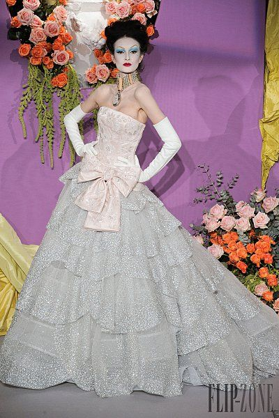 8635899ece080 2019 年の「Christian Dior Spring-summer 2010 - Couture ...