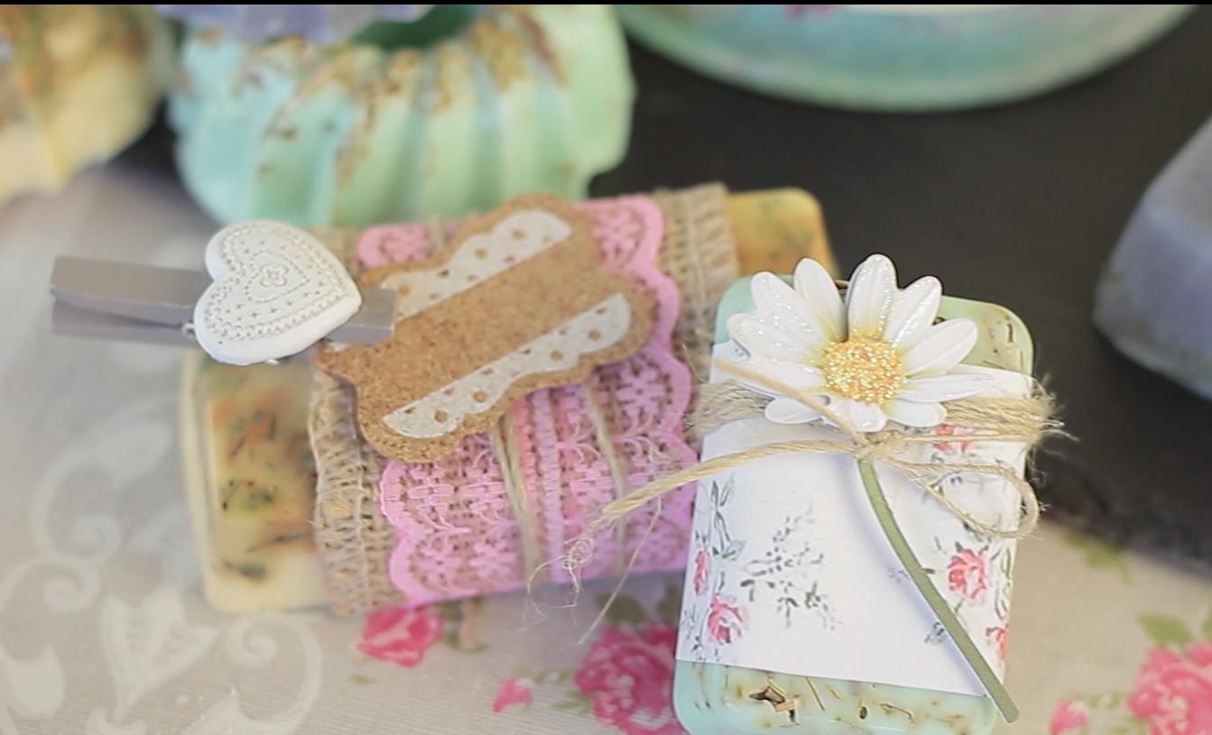 DIY soap. Diy para hacer jabones. Jabones para bodas. Jabones para comunión. Jabones Vintage. https://youtu.be/p5YAAVtnP_M