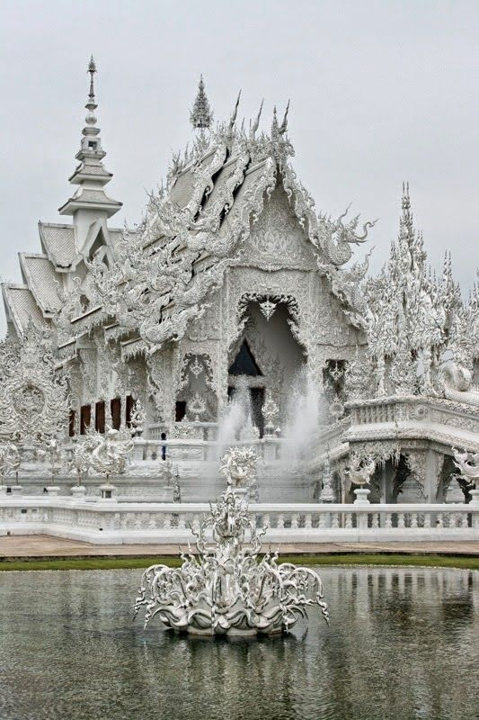 ourquantumworld:  Wat Rong Khun, Thailand
