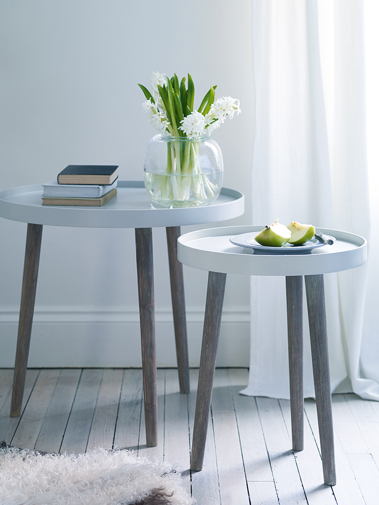 With Three Scandinavian Style White Cedar Legs And A Smooth Modern Painted Top Our Lina Side Tables Are Finished White Side Tables Grey Side Table Side Table