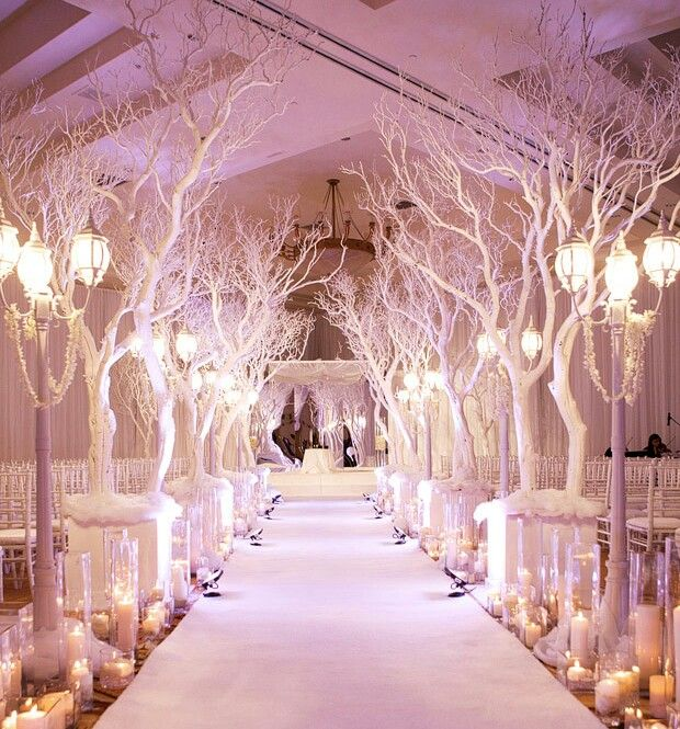 White as a snow wedding motif
