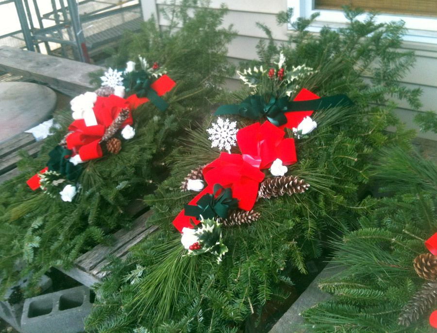 Cemetery Christmas Decorations Part - 40: Holiday Grave Blankets, Grave Pillows U0026 Wreaths | NC