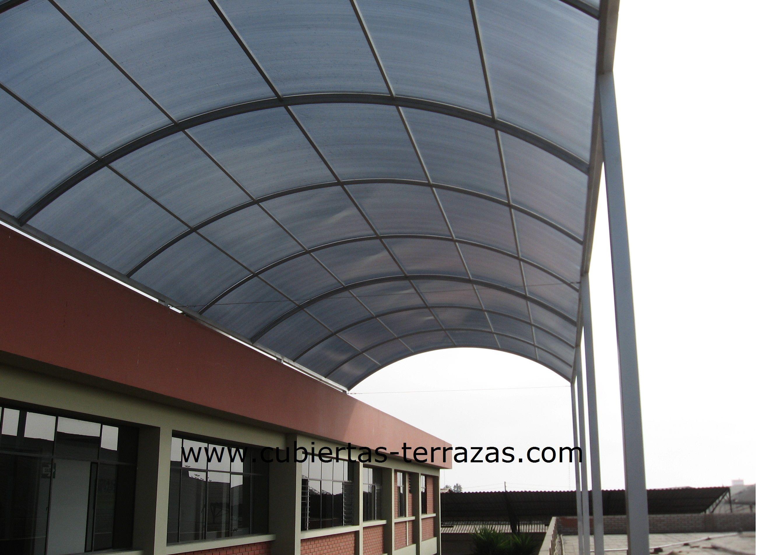 Techo de policarbonato celular en boveda 180m2 techos en for Material para toldos correderos