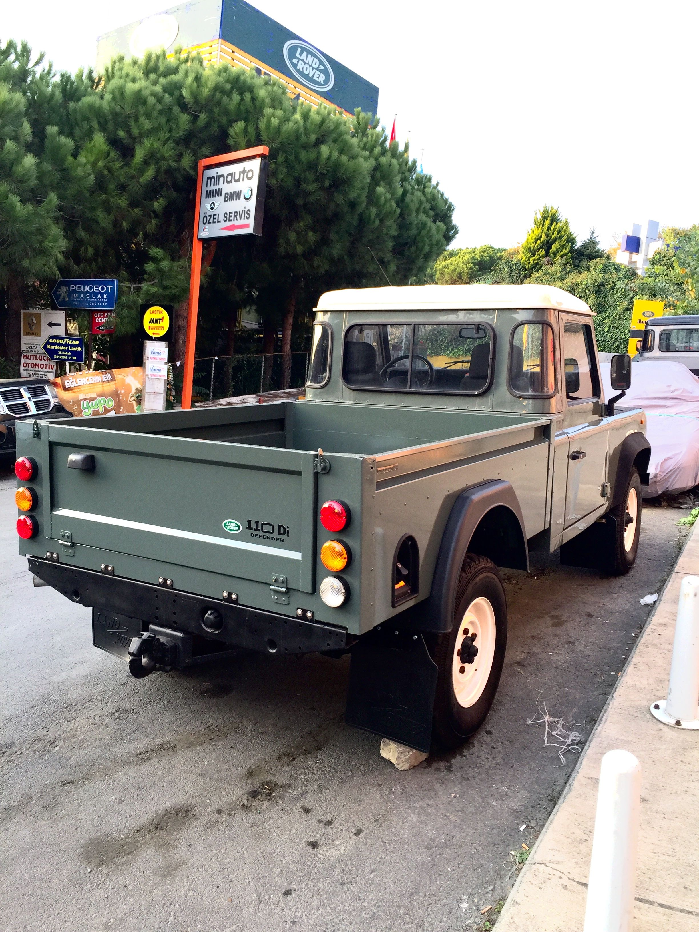 Pin by Oky Gaol on Land Rover DEFENDER Pinterest