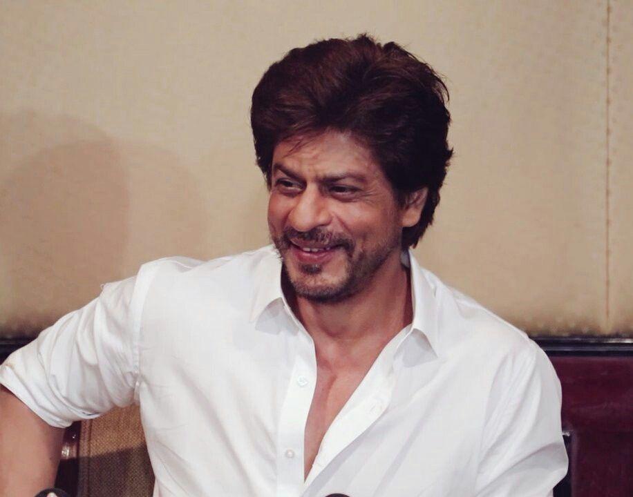 Shah Rukh Khan undergoes knee surgery, to resume work soon