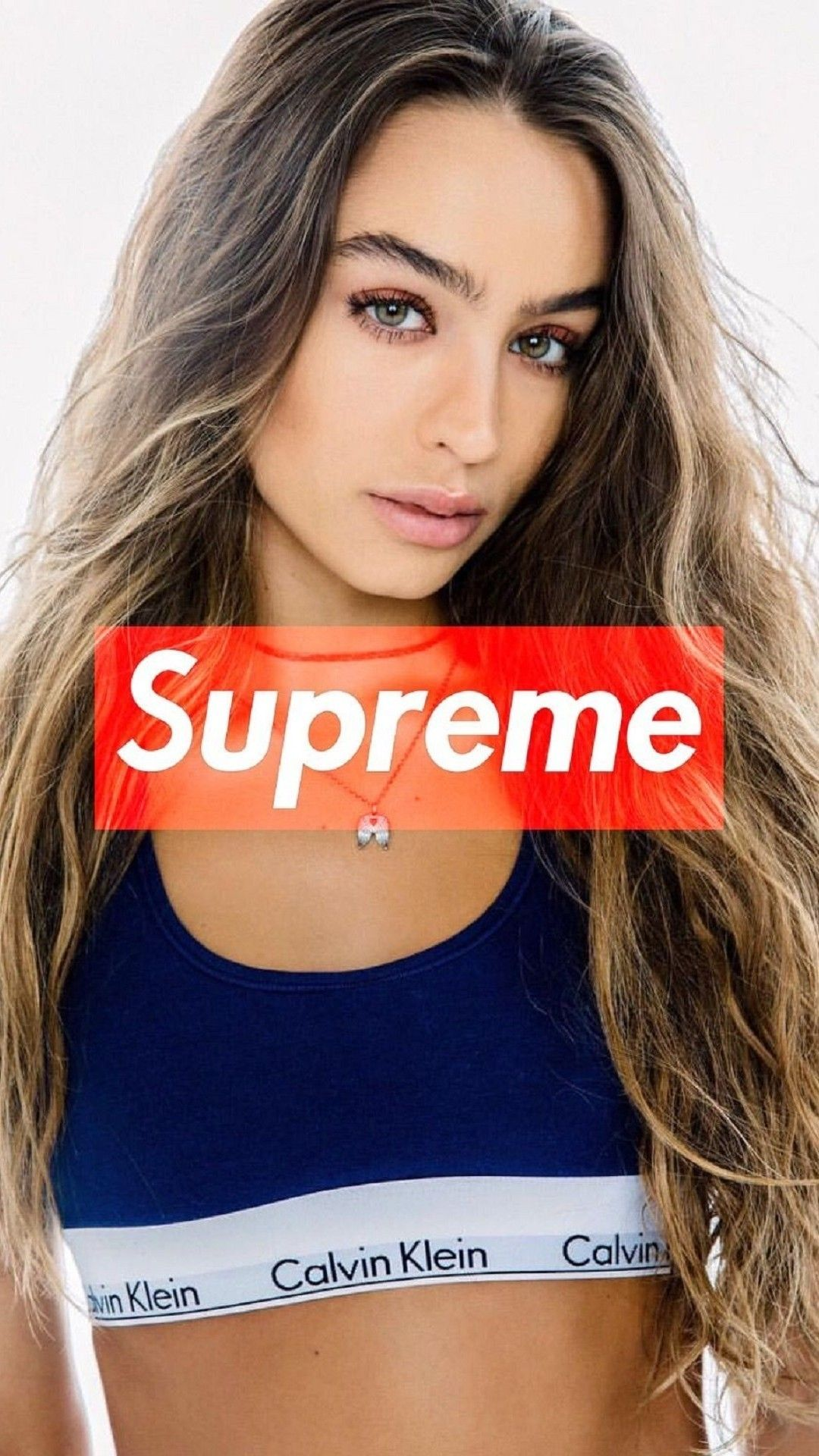 Sommeray In 2020 Supreme Girls Supreme Wallpaper Supreme Brand
